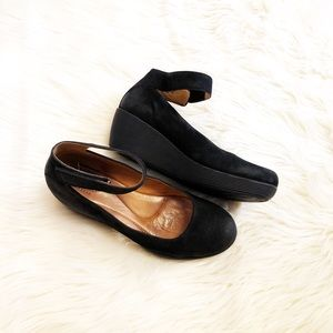 Clarks black wedges
